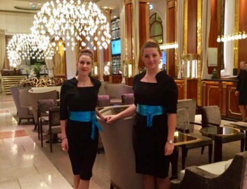 Des hôtesses polyvalentes pour vos salons et autres types d'évènements